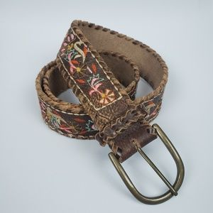 Accessories - Leather embroidered belt w/ metal buckle Sz Large